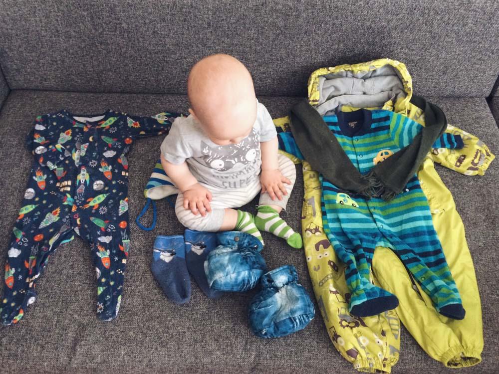 Правило многослойности или как одевать ребенка до года
